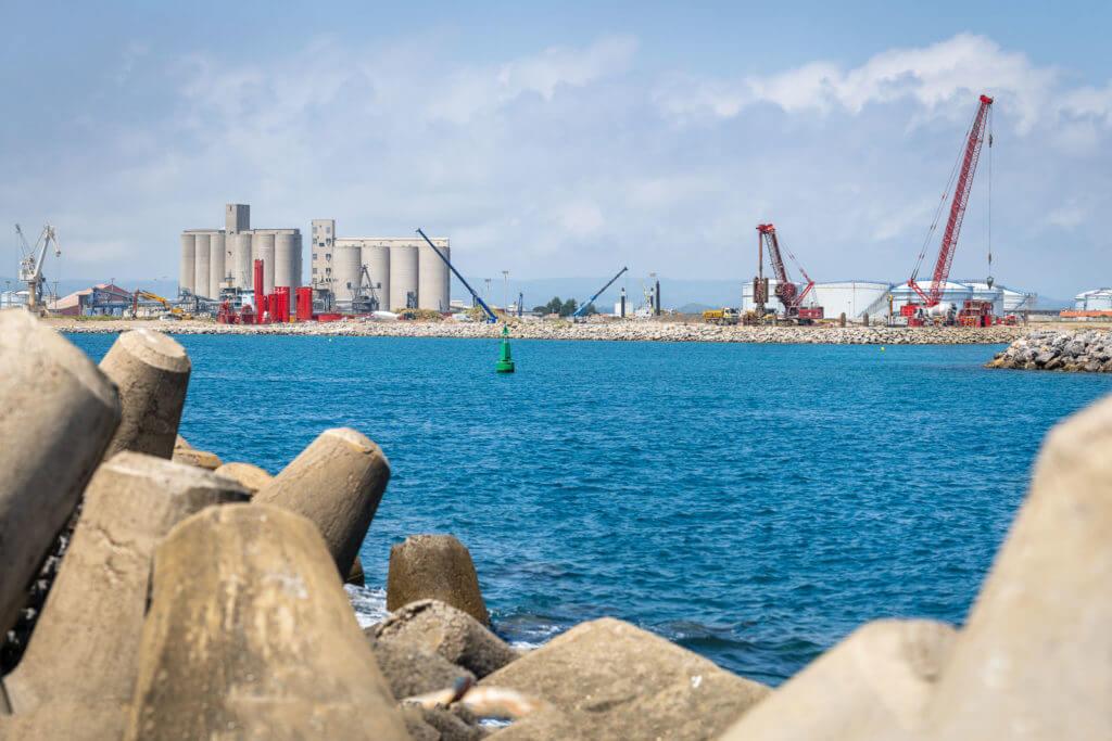 floating wind farm/parque eólico flotante/ paroi moulée/ amélioration de sol/ tirants/ pieux