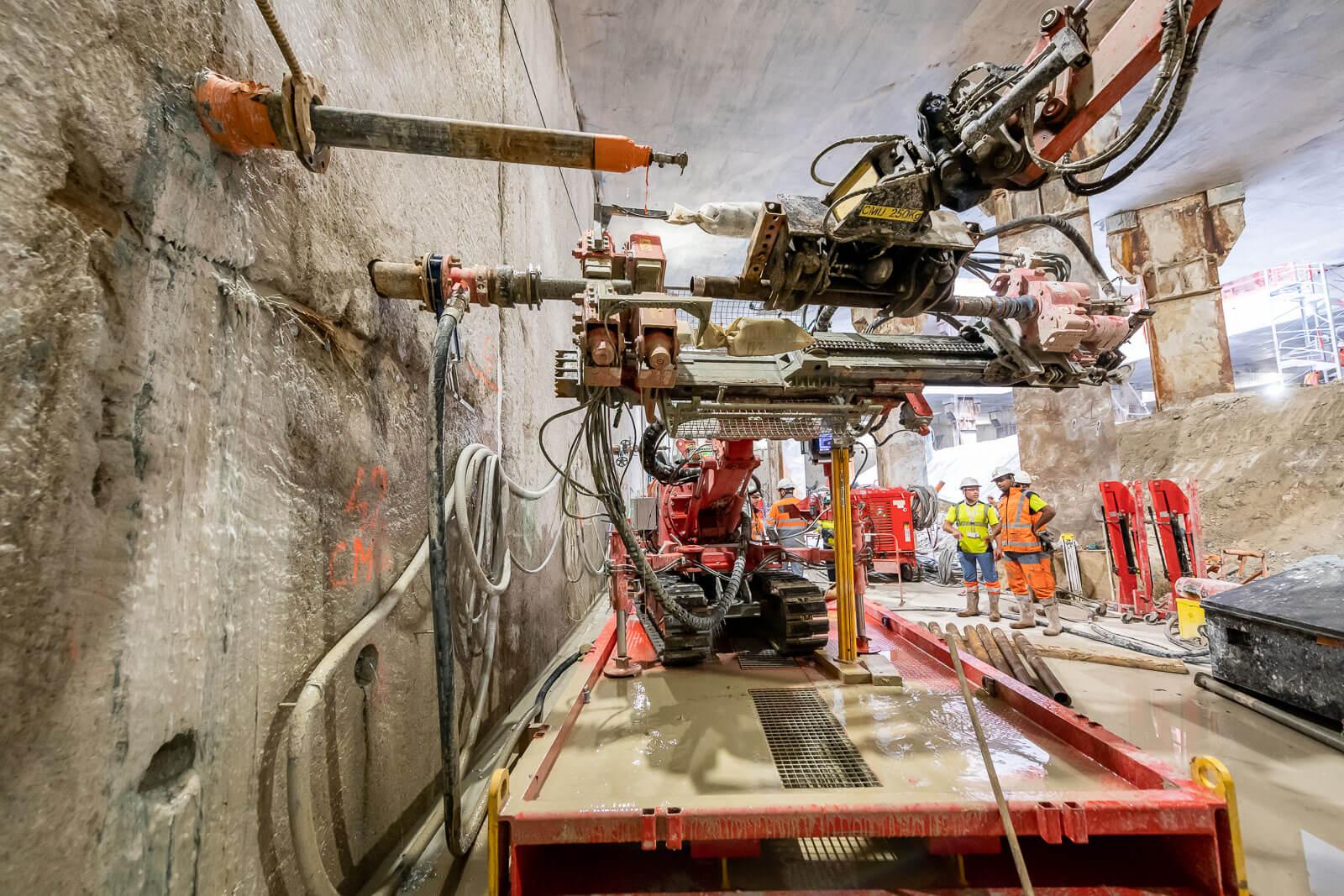 Tunnel/ compensation grouting/ ineyección de compensación